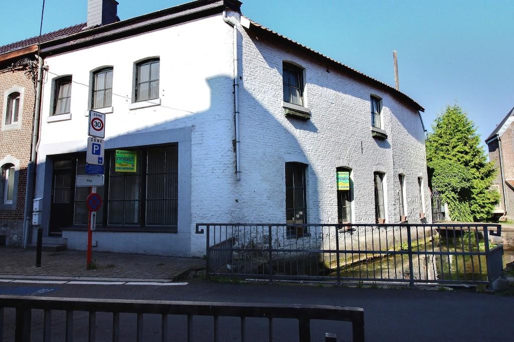 FOURON-LE-COMTE: Maison
