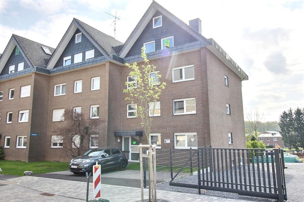 RAEREN: Appartement-Duplex + Garage