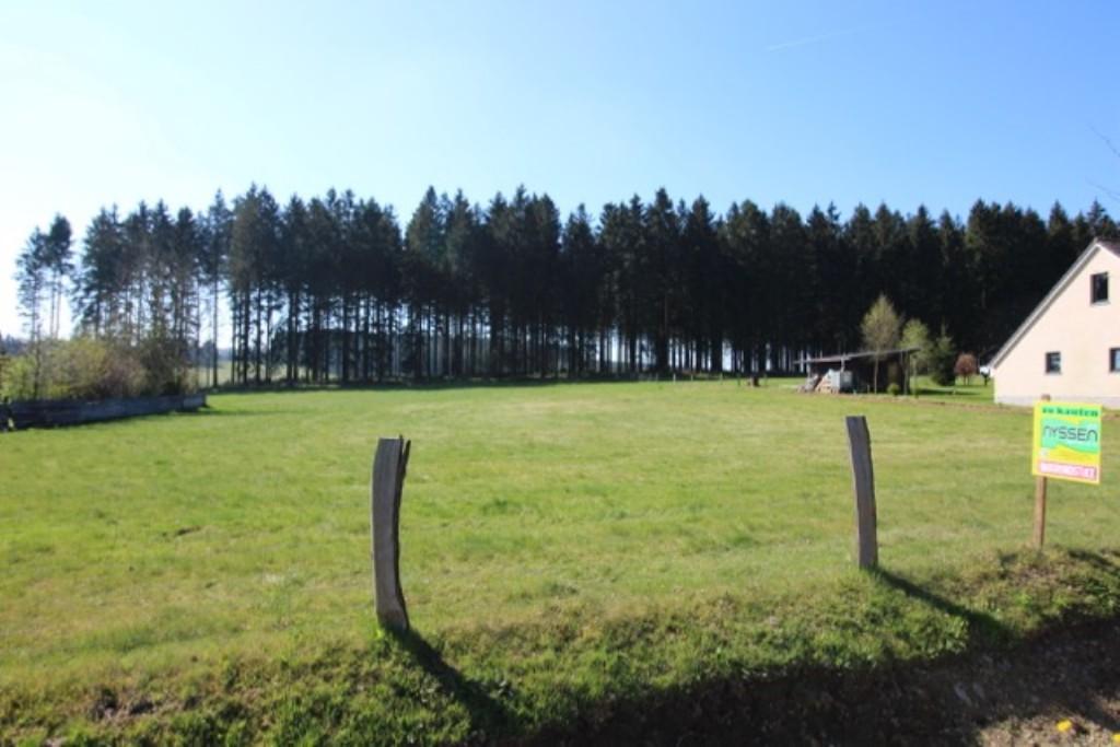 KÜCHELSCHEID: Terrain en Zone d'Habitat et en Zone Agricole