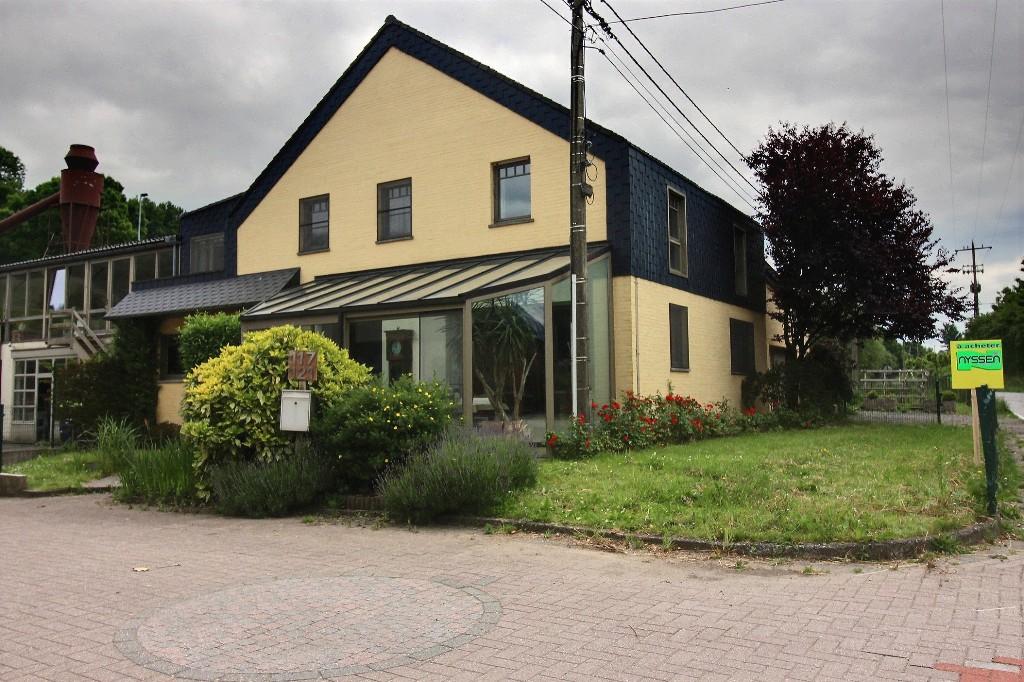 HOMBOURG: Maison, Garage et Atelier