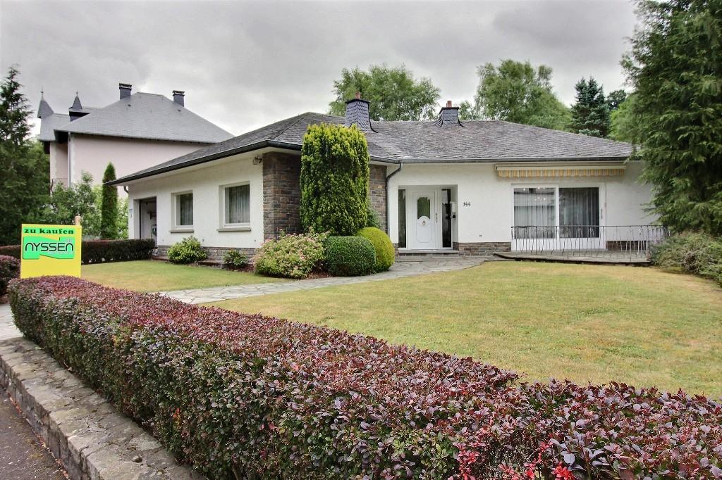BURG-REULAND: Villa