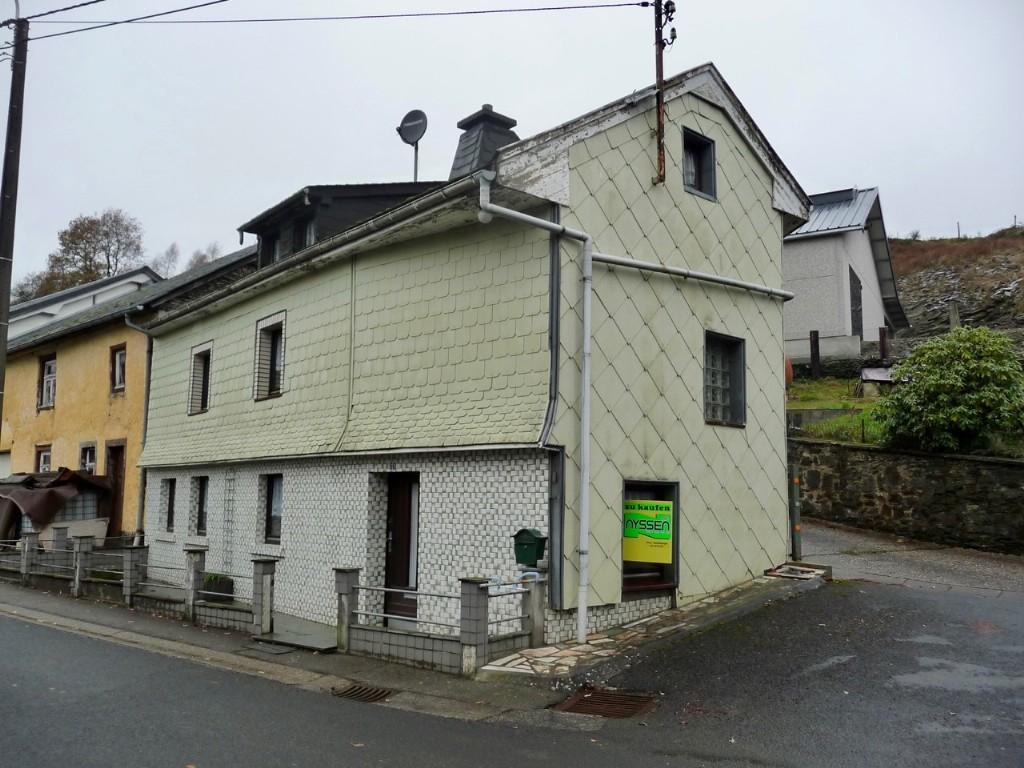 BURG-REULAND: maison