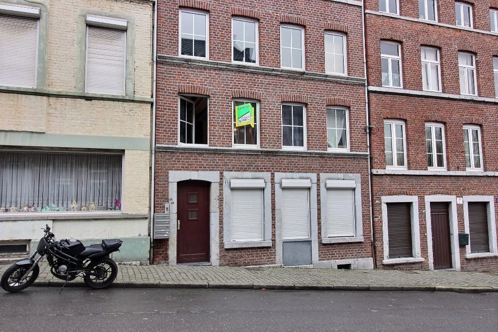 VERVIERS: Appartement avec cave privative